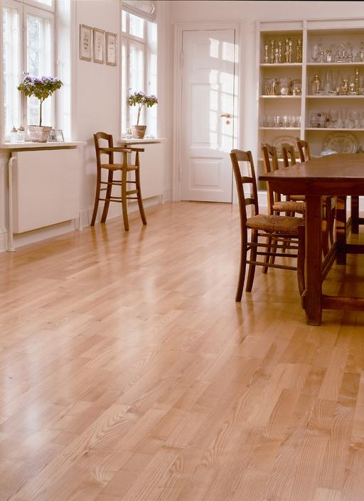 Junckers Light Ash Solid 2-Strip Wood Flooring, Ultra Matt Lacquered, Variation, 129x22 mm Image 3