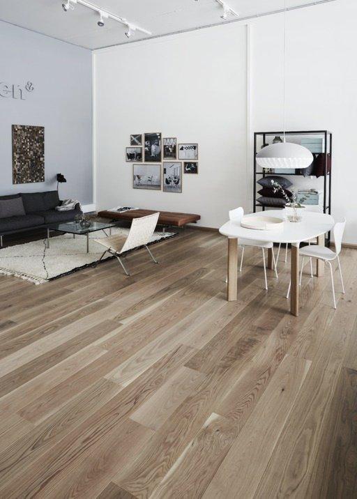 Junckers Solid Oak Boulevard Wood Flooring, Untreated, Harmony, 185x20.5 mm Image 1