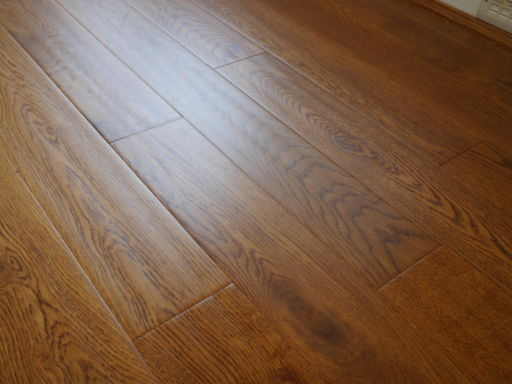 Tradition Engineered Golden Oak Flooring, Handscraped, Rustic, Lacquered, 18x125xRL mm Image 2