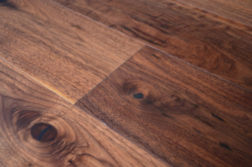 Tradition Engineered Walnut Flooring, Rustic, Lacquered, 190x4x20 mm Image 3