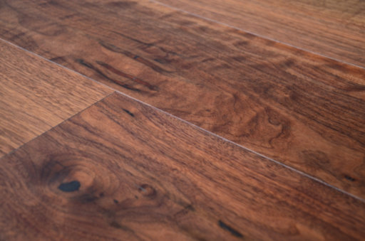 Tradition Engineered Walnut Flooring, Rustic, Lacquered, 1860x20x190 mm Image 4