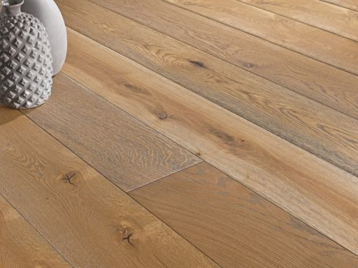 Chene Engineered Brushed Oak Flooring, Oiled, 180x3x14 mm