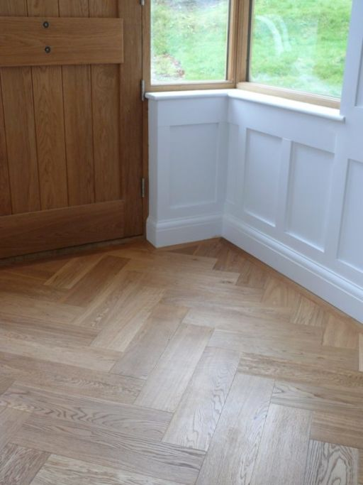 Tradition Engineered Oak Parquet Flooring, Herringbone, Natural, Brushed, Lacquered, 160x14x600 mm
