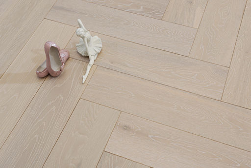 Tradition Engineered Oak Parquet Flooring, Herringbone, White Washed, Brushed & Matt Lacquered, 600x14/3x150 mm